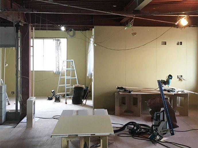 【株式会社小川】大工工事:壁面ボード貼り