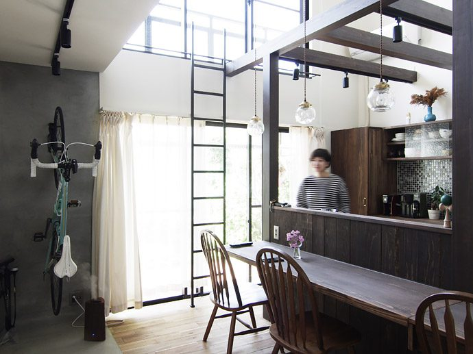 【8LOG】一戸建てとマンションのいいとこ取り!メゾネットのリノベーション。