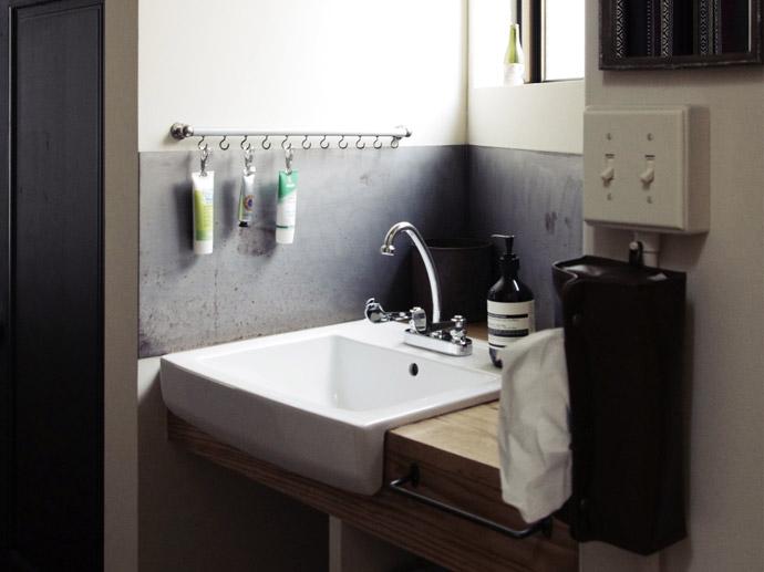 素材感を活かしたシンプルな洗面のインテリアアイデア集