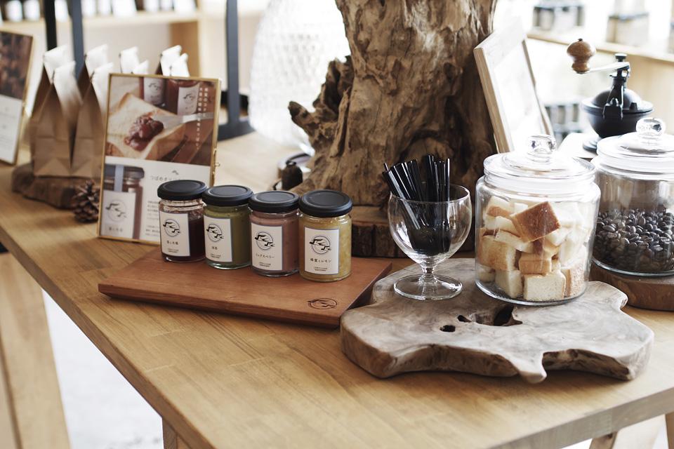 天然酵母の食パン専門店 つばめパン&Milk|店舗デザイン事例集|名古屋で「負けない」店舗デザインをお探しなら