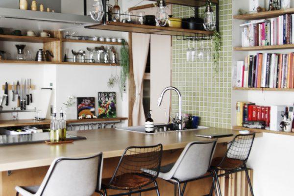 キッチンに本の居場所を。小さな工夫で料理の時間をもっと楽しく