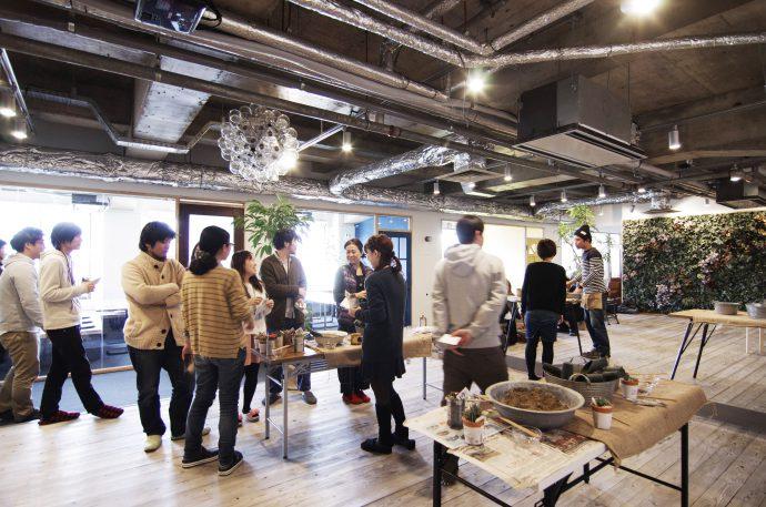 【株式会社テニテオ | works archive】人が集まる場所があるオフィス
