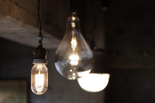 照明の交換で小さな模様替えを。インテリアのアイディア集