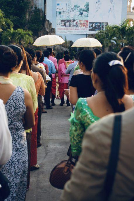 【旅の記録】朝の参列 @プノンペン カンボジア