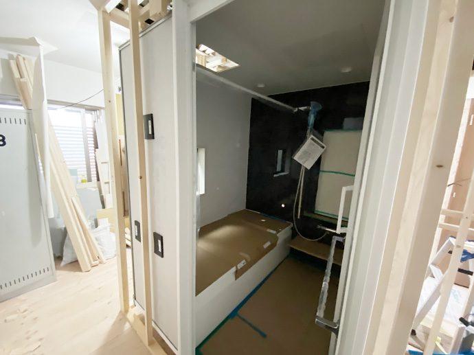 【名古屋市昭和区T様邸】大工工事4:UB設置・壁造作