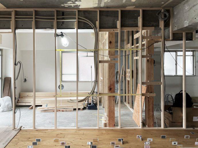 【名古屋市東区K様邸マンションリノベーション】大工工事3:無垢フローリング貼り