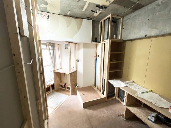 【名古屋市東区K様邸マンションリノベーション】大工工事3:ユニットバス設置・洗面所造作